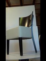качествени дървени столове за външно приложение