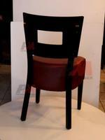дървени маси и столове за открито
