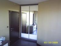 Гардероб по поръчка с огледални врати