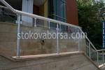 парапети за стълбища от инокс и стъкло по поръчка