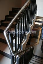 парапет от метал за стълби
