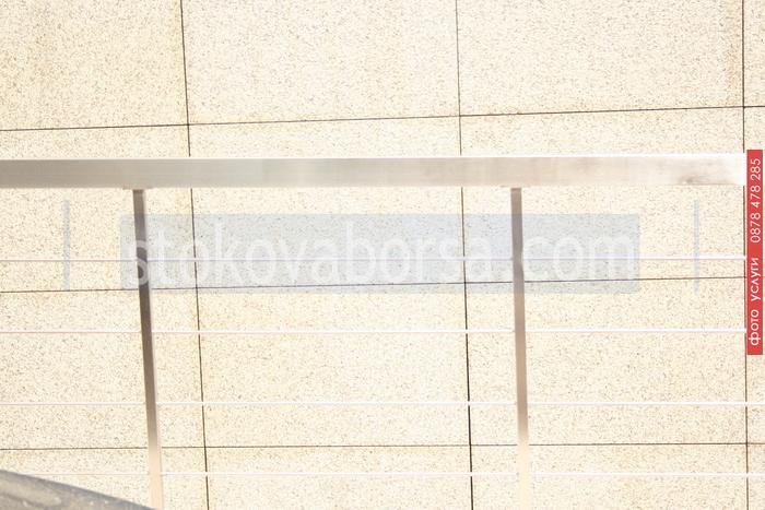 фирма за алуминиеви парапети с правоъгълен профил
