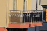 изработка на парапети за тераси от инокс и черно стъкло