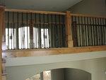 парапет за стълбище от дърво и ковано желязо