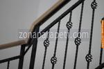 стълбищни парапети по поръчка от дърво и ковано желязо