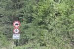 проектиране и производство на забранителни пътни знаци