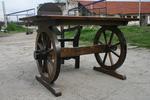 изработка на битова маса с един дървен стол по поръчка