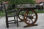 битови маси с 1 дървен стол за механи и кръчми по поръчка