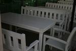 битови маси с две пейки и 1 стол