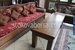 изработка на дървена пейка за заведение