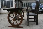 фирма за дървени маси с 1 дървен стол