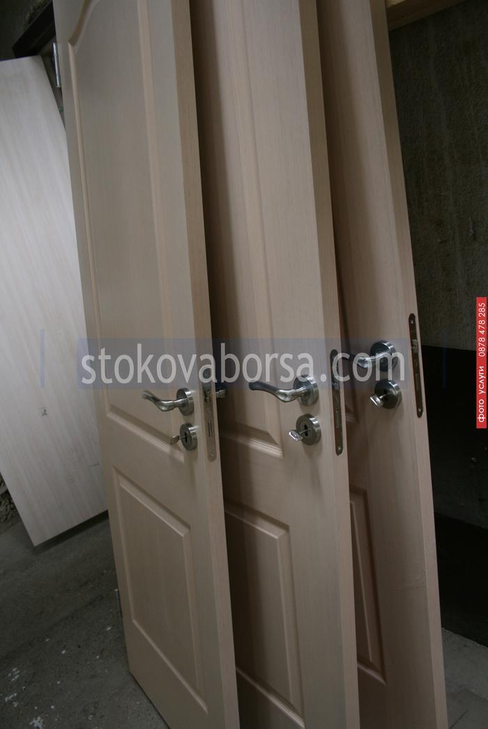 поръчкова дървена интериорна врата