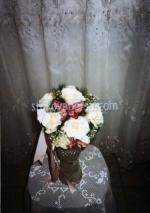 аранжировка с естествени цветя