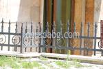 ниска ограда от ковано желязо
