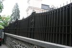 фирма за кована плътна ограда