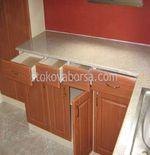 гранитно облицоване по поръчка на кухненски плот