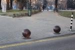 фирма за антипаркинг топки от бетон