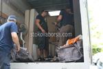 хамалски услуги по разтоварване на товари от камион