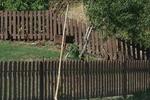 изработка на ниски дървени огради