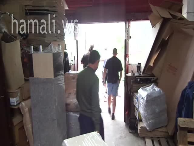 преместване на мебели с опаковане и съхранение в чужбина