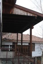 поръчков дървен парапет от чам за тераси