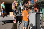 качване и сваляне на мебели и обзавеждане с камион по поръчка