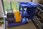 Сервизни колички за хотелски персонал